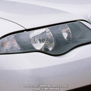 2004 Facelift Rover 45 - Close up of new headlight